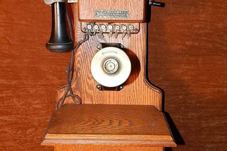 Williams Kellogg Telephone Co Oak Crank Wall Phone